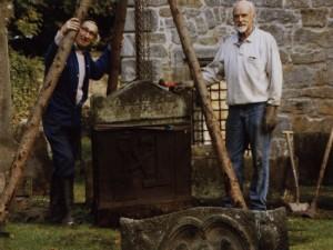 William Anderson and William Wolsey (right) restoring Tulliallan Kirkyard